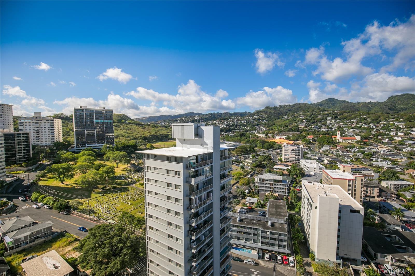 Makiki Plaza condo # 2404, Honolulu, Hawaii - photo 13 of 19