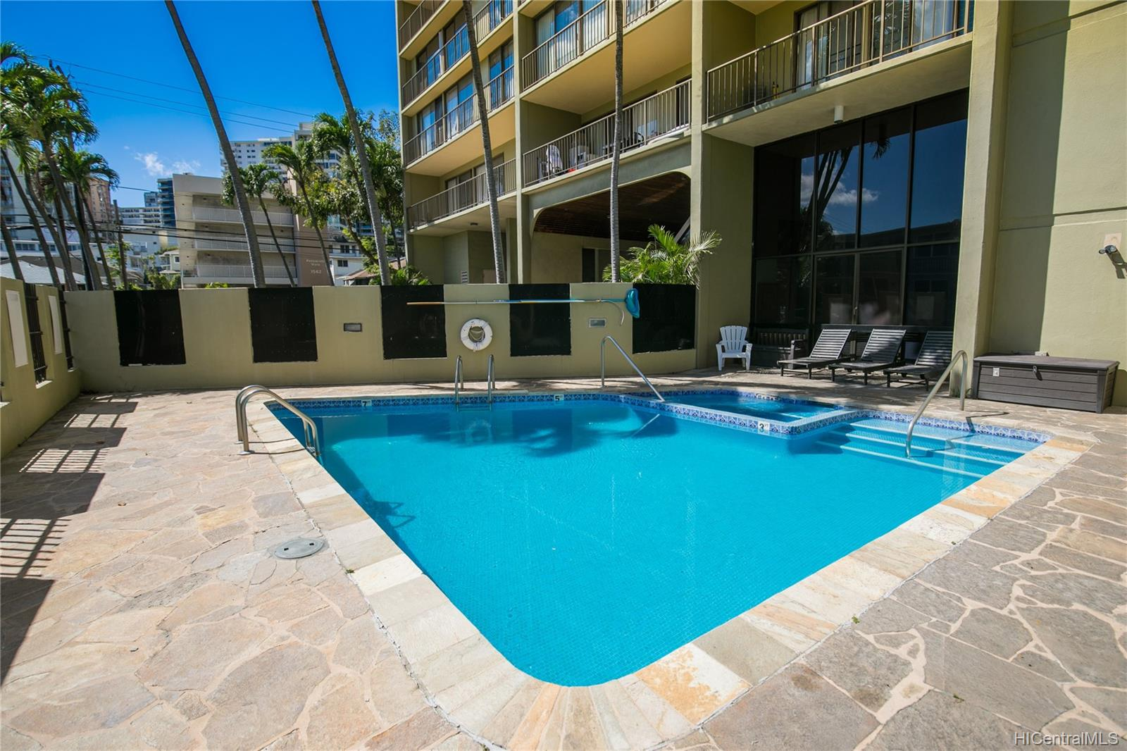 Makiki Plaza condo # 2404, Honolulu, Hawaii - photo 14 of 19