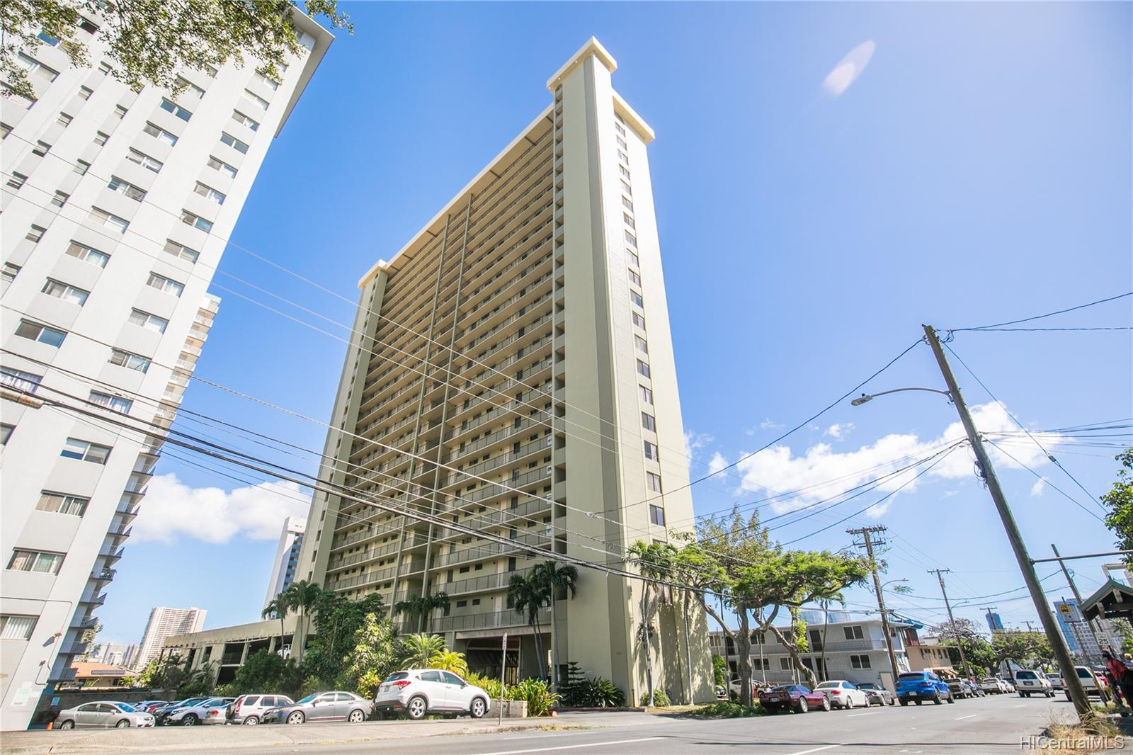Makiki Plaza condo # 2404, Honolulu, Hawaii - photo 17 of 19