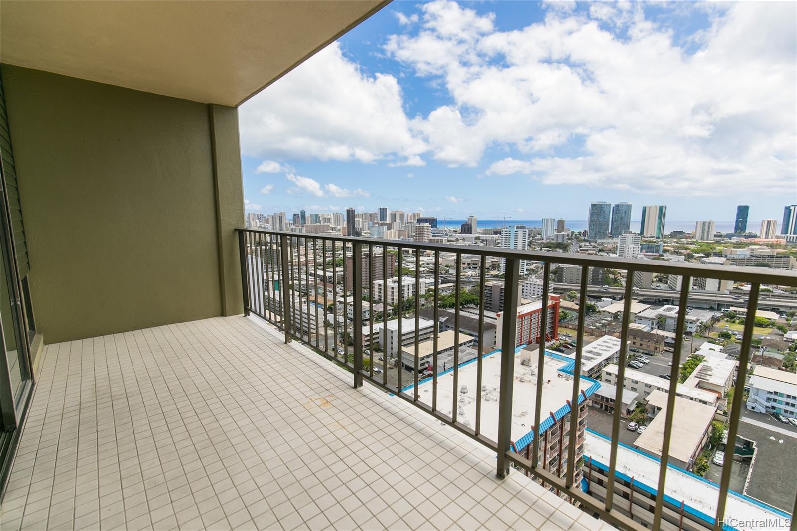 Makiki Plaza condo # 2404, Honolulu, Hawaii - photo 9 of 19