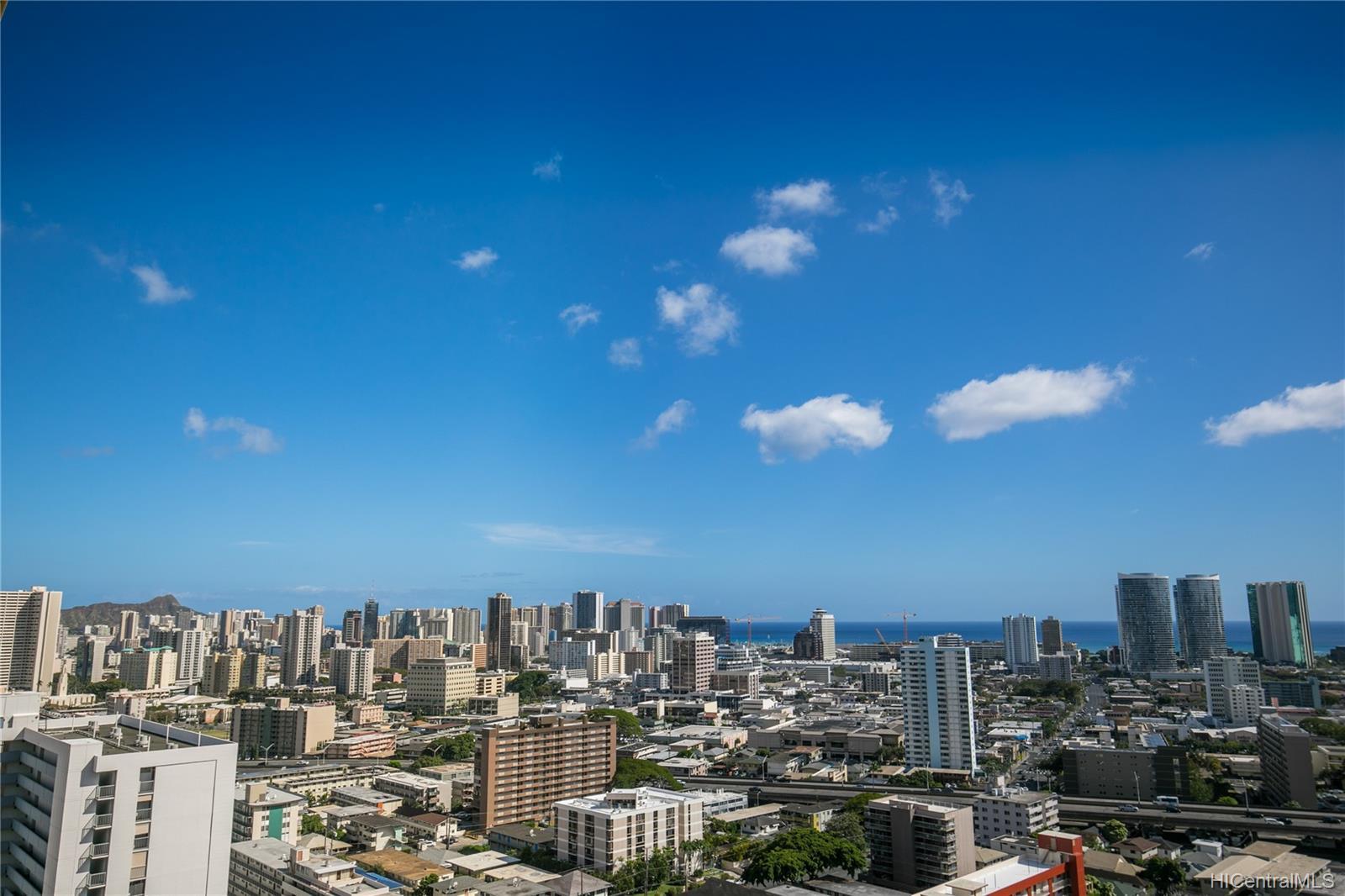 Makiki Plaza condo # 2404, Honolulu, Hawaii - photo 10 of 19
