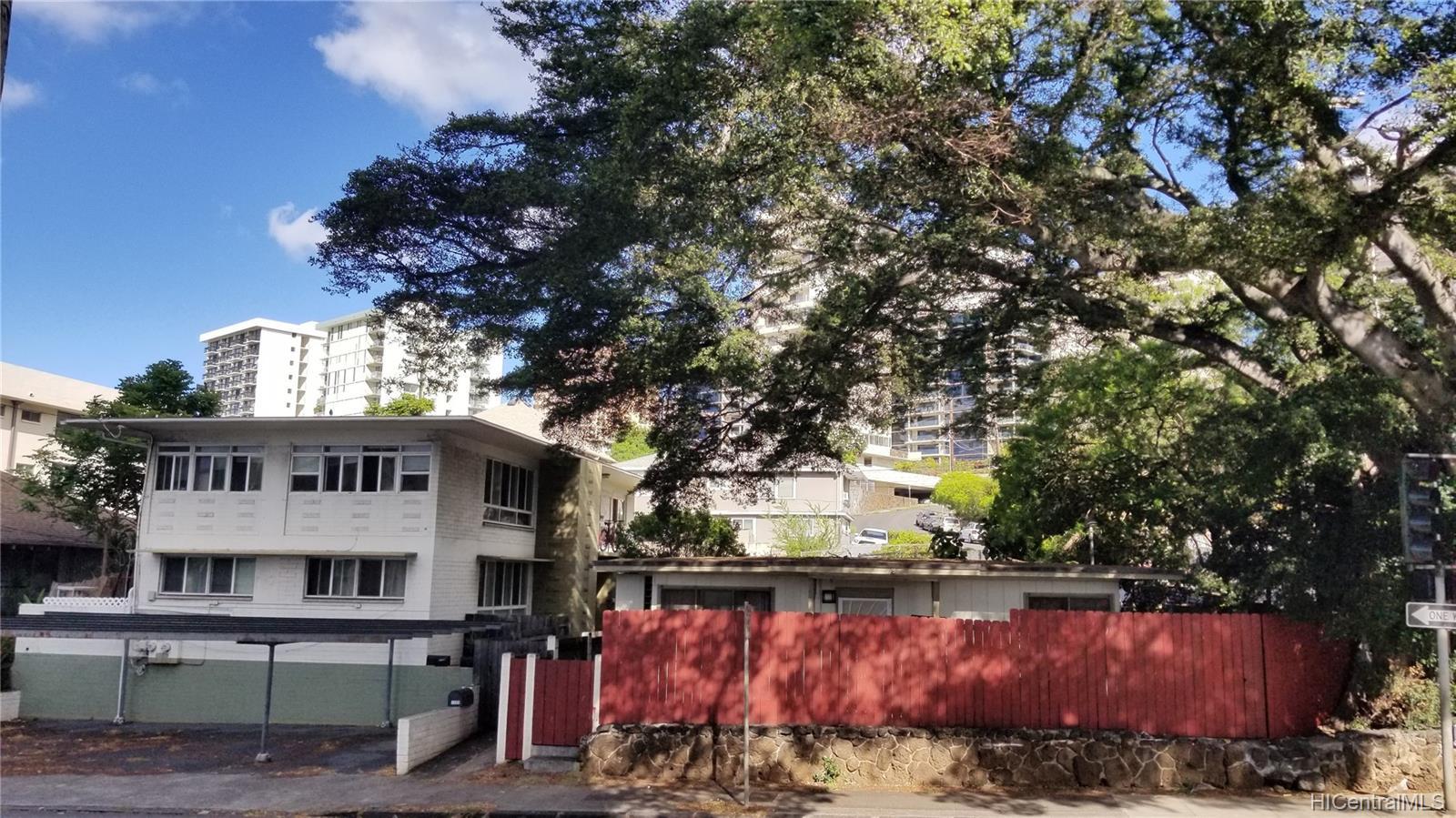 1576 Pensacola Street Honolulu - Multi-family - photo 2 of 20
