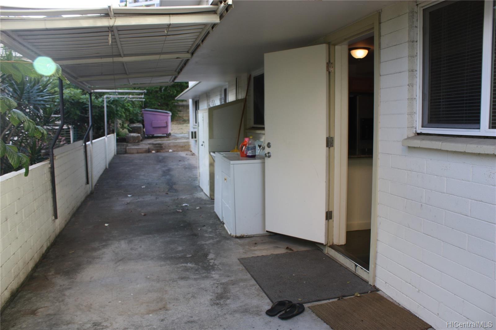 1576 Pensacola Street Honolulu - Multi-family - photo 15 of 20