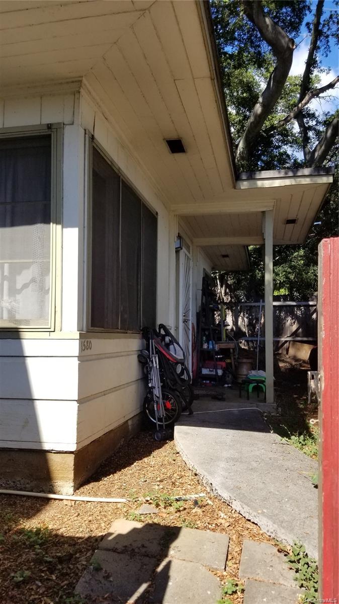 1576 Pensacola Street Honolulu - Multi-family - photo 19 of 20