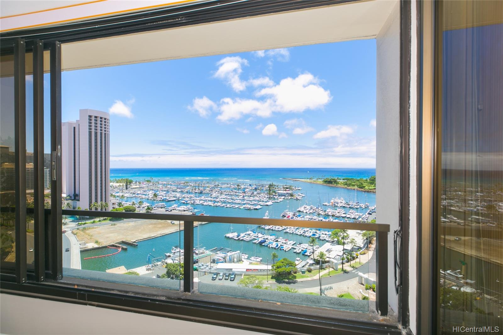 Yacht Harbor Towers condo # 2106, Honolulu, Hawaii - photo 11 of 24