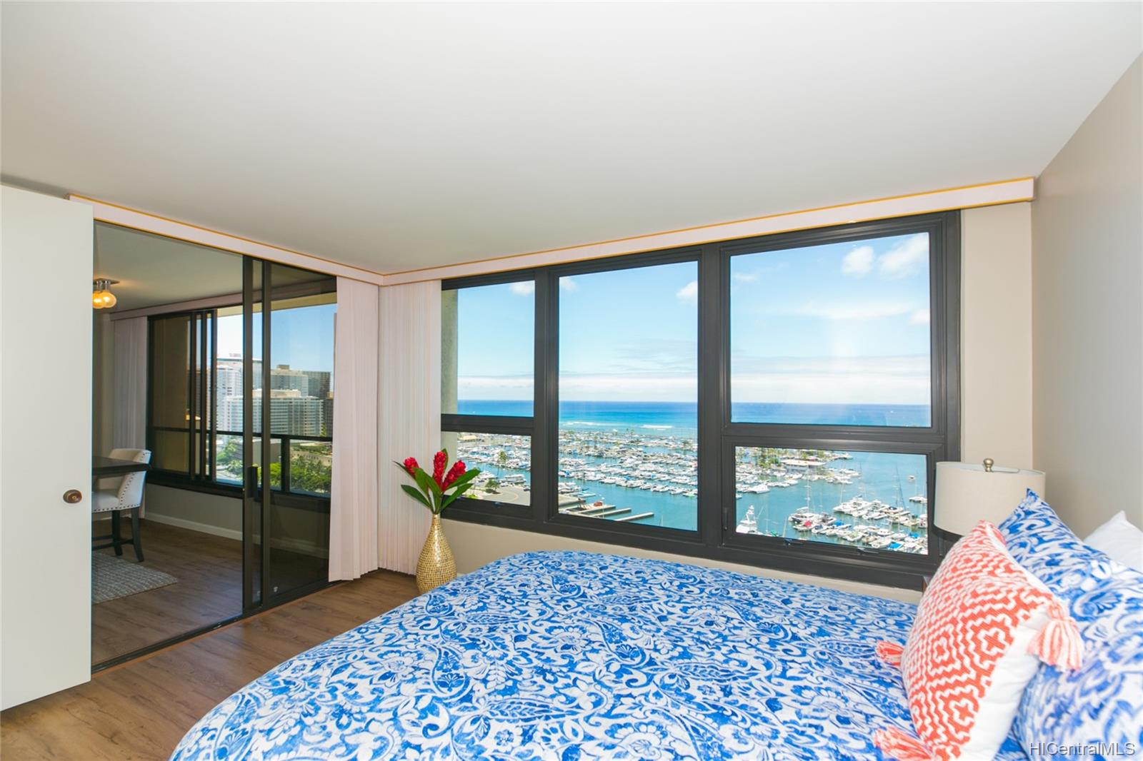 Yacht Harbor Towers condo # 2106, Honolulu, Hawaii - photo 10 of 24