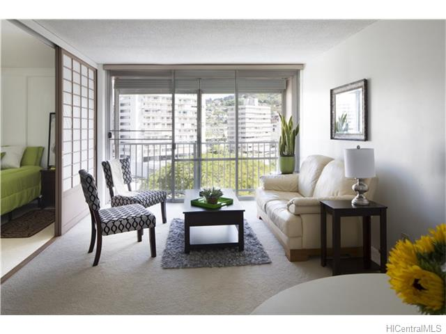 Makiki Towers condo #702, Honolulu, Hawaii - photo 1 of 19