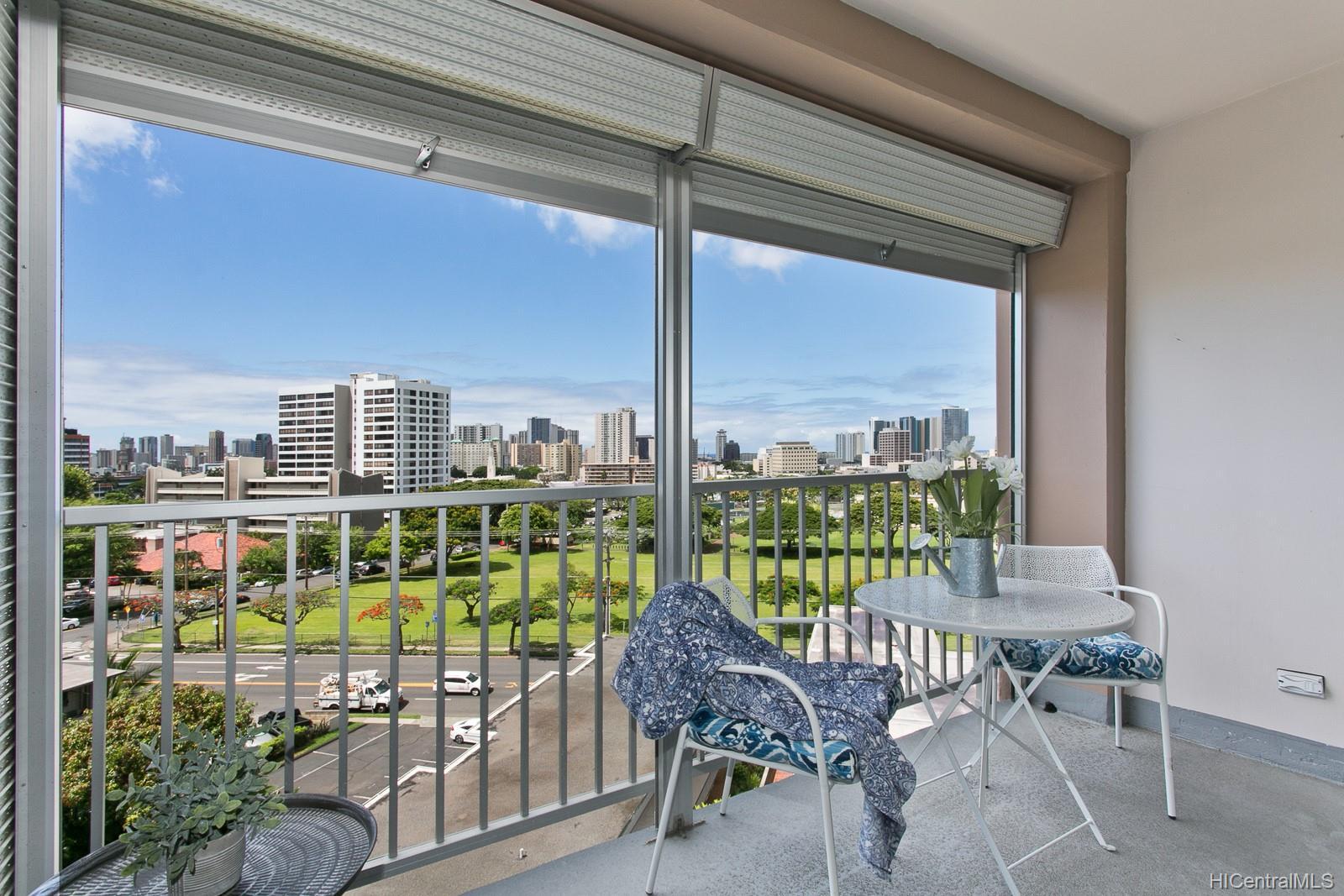 Makiki Towers condo # 807, Honolulu, Hawaii - photo 11 of 14