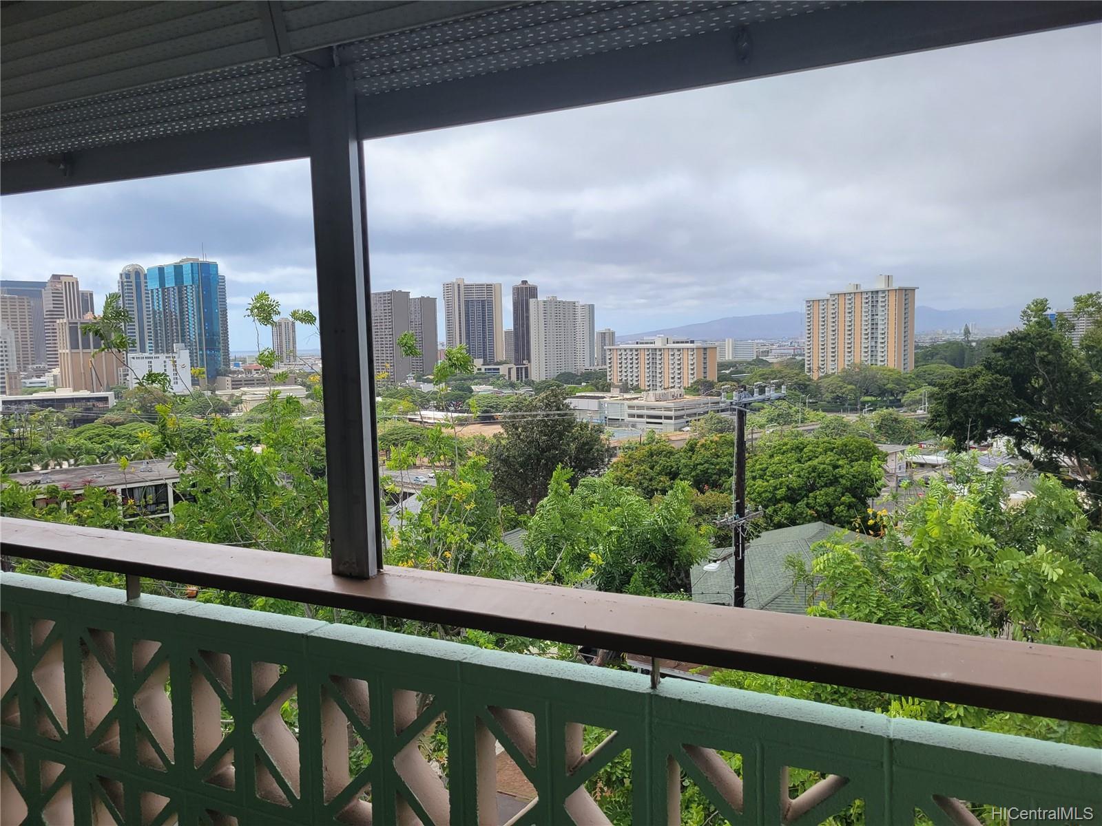 Aleo Hale condo # 401, Honolulu, Hawaii - photo 23 of 25