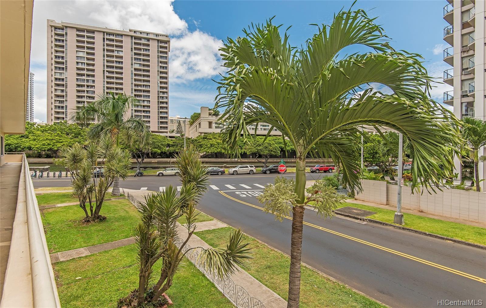 Marina Gardens condo # 201, Honolulu, Hawaii - photo 9 of 11