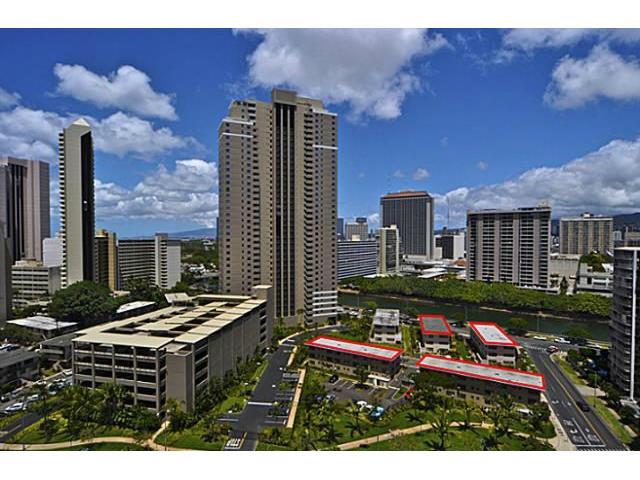 Marina Gardens condo # 105, Honolulu, Hawaii - photo 7 of 7