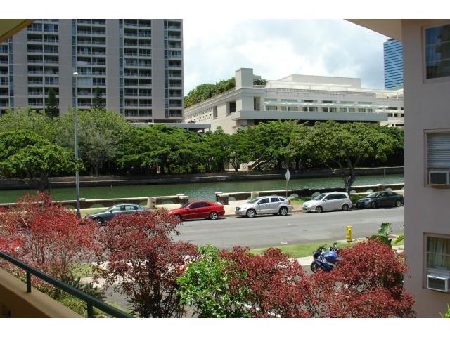 Marina Gardens condo # 205, Honolulu, Hawaii - photo 1 of 5