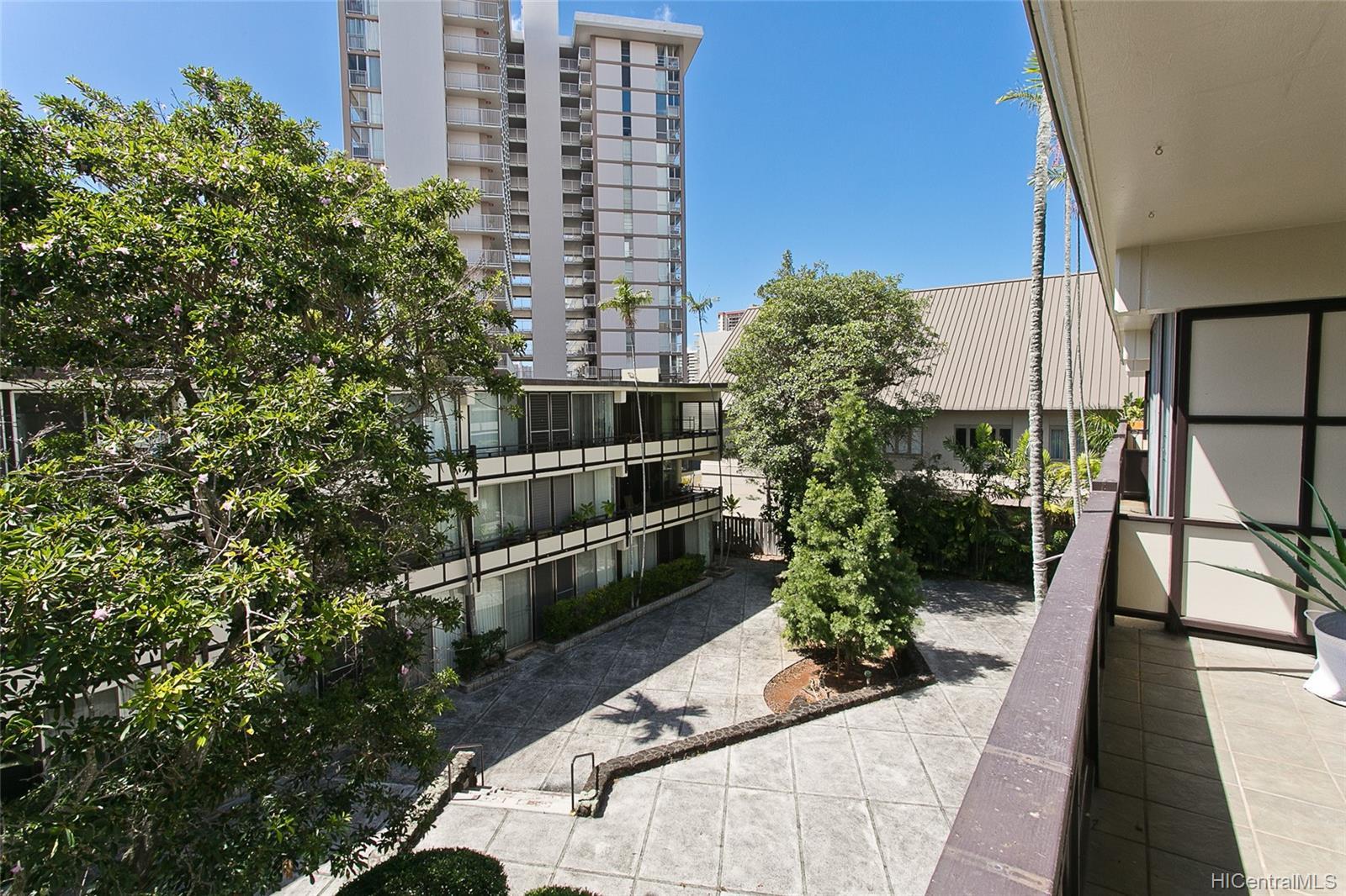 Punahou Terrace condo # A304, Honolulu, Hawaii - photo 15 of 17