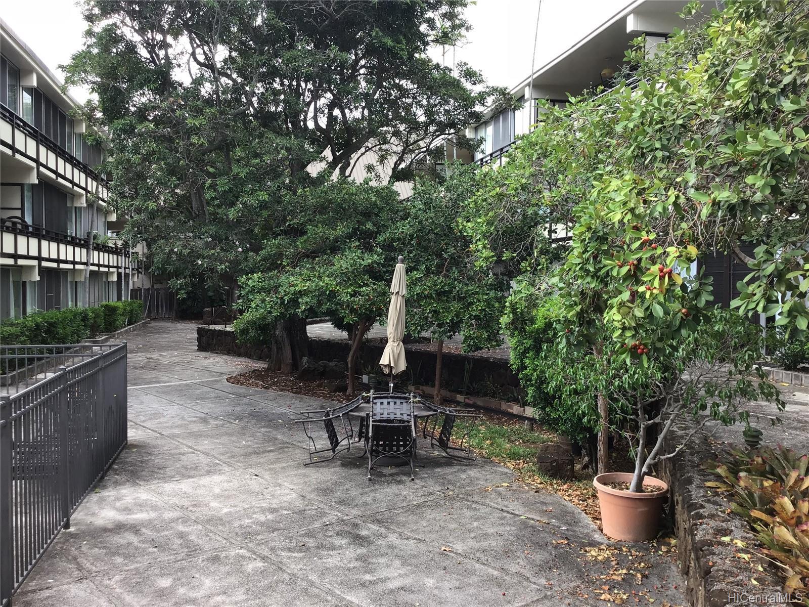 Punahou Terrace condo # C104, Honolulu, Hawaii - photo 3 of 8
