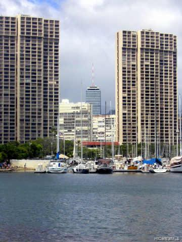Yacht Harbor Towers condo # 2507, Honolulu, Hawaii - photo 3 of 10
