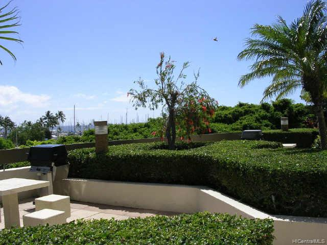 Yacht Harbor Towers condo # 2507, Honolulu, Hawaii - photo 8 of 10
