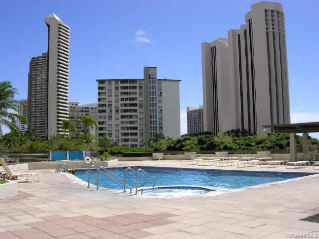 Yacht Harbor Towers condo # 2507, Honolulu, Hawaii - photo 9 of 10