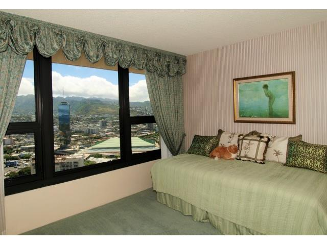 Yacht Harbor Towers condo # 3601, Honolulu, Hawaii - photo 11 of 18