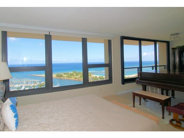Yacht Harbor Towers condo # 3601, Honolulu, Hawaii - photo 3 of 18