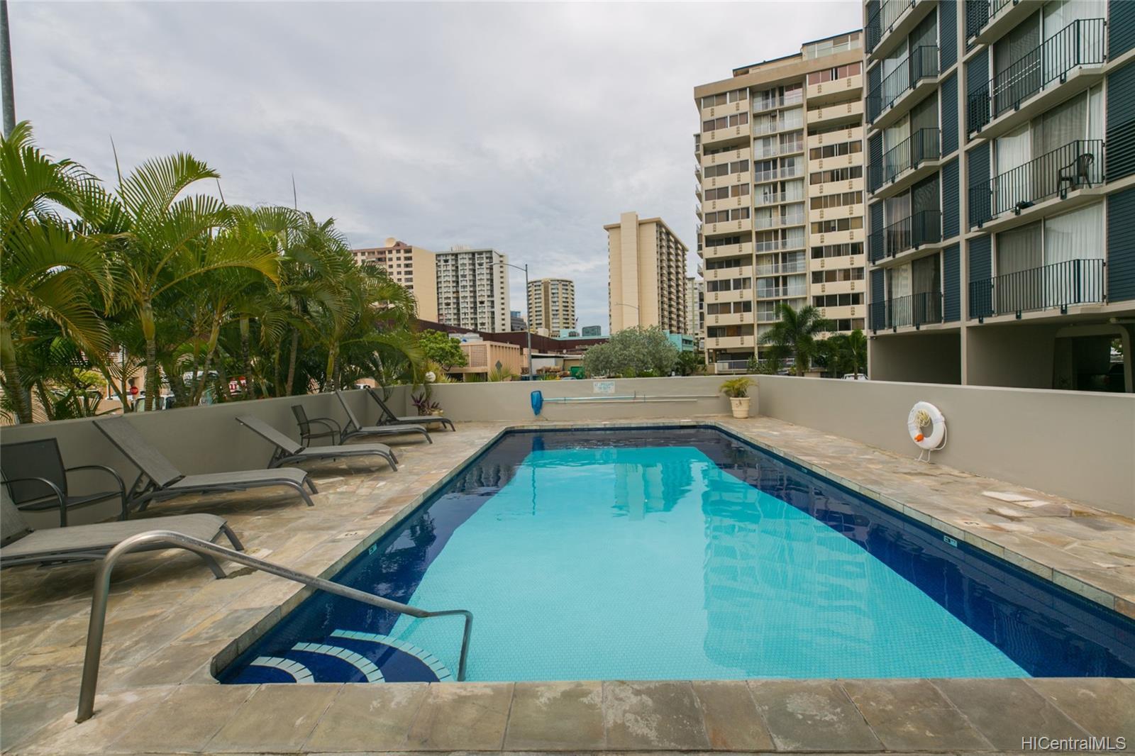 Holiday Manor condo # 1115, Honolulu, Hawaii - photo 20 of 25