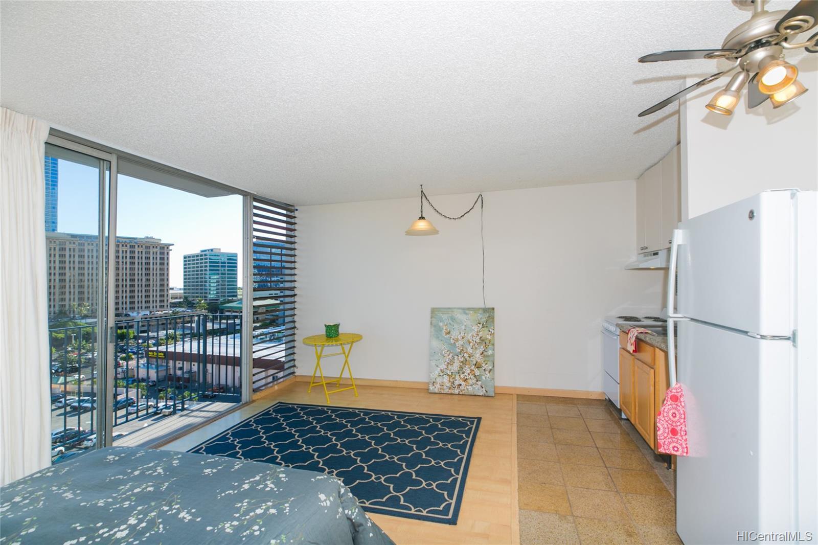 Holiday Manor condo # 1115, Honolulu, Hawaii - photo 9 of 25