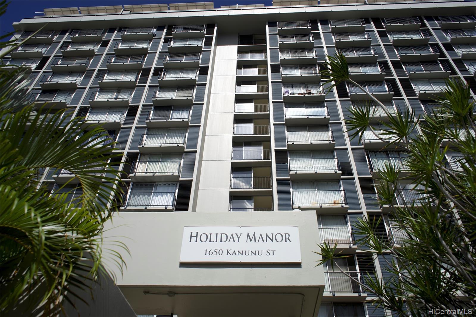 Holiday Manor condo # 807, Honolulu, Hawaii - photo 1 of 16