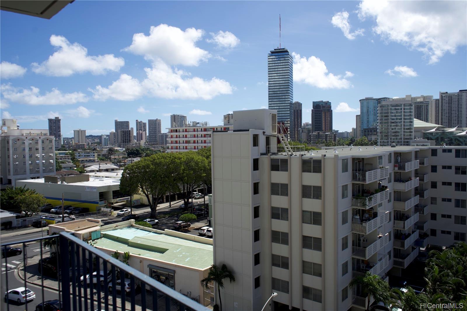 Holiday Manor condo # 807, Honolulu, Hawaii - photo 11 of 16