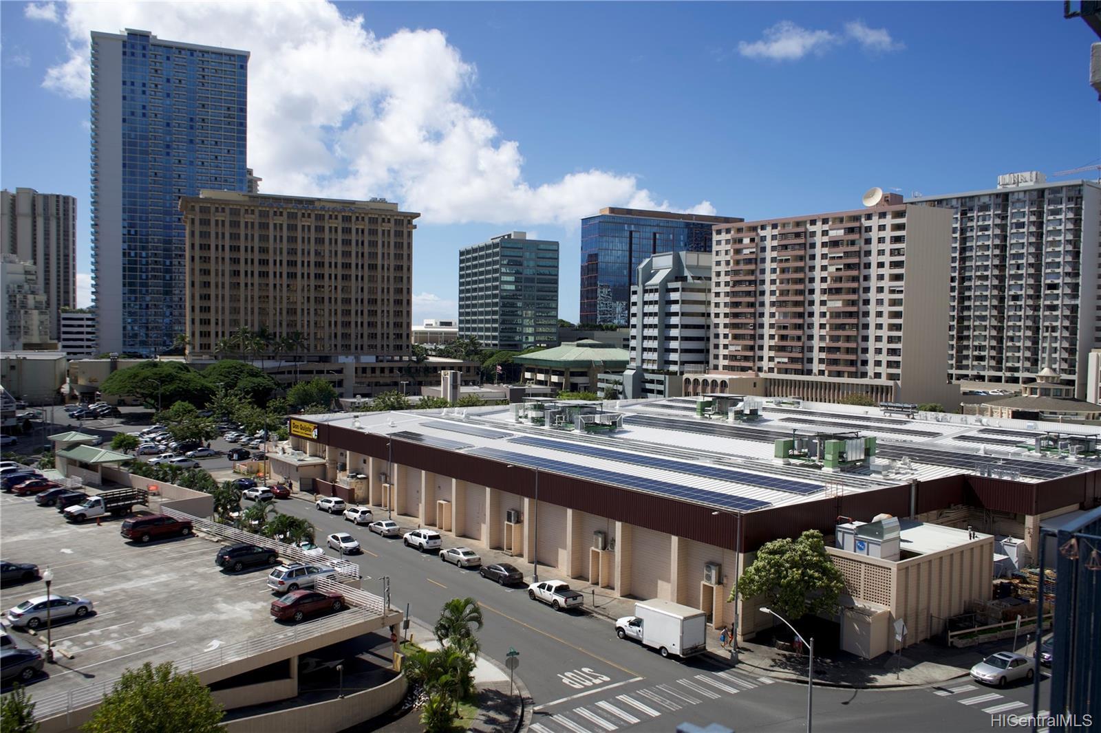 Holiday Manor condo # 807, Honolulu, Hawaii - photo 12 of 16