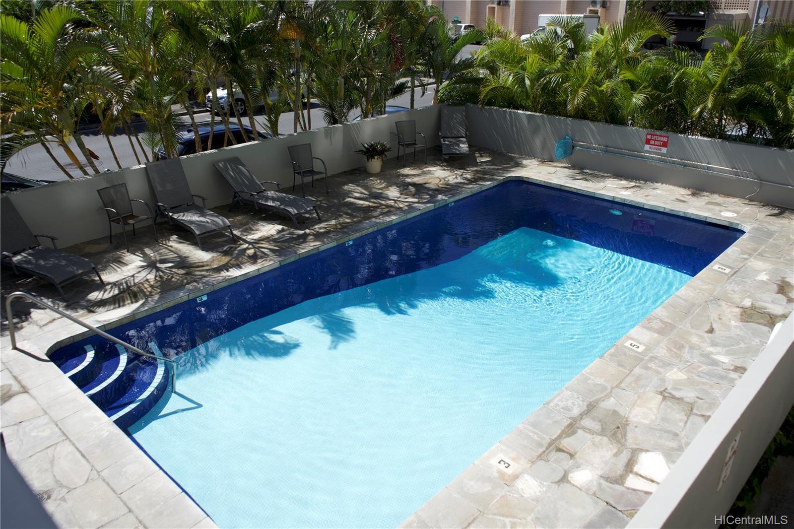 Holiday Manor condo # 807, Honolulu, Hawaii - photo 6 of 16