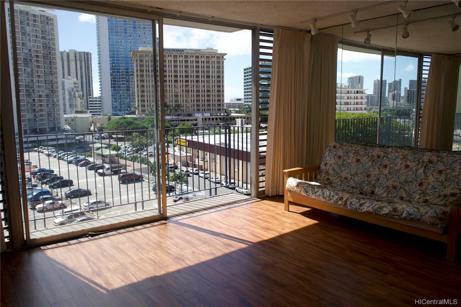 Holiday Manor condo # 807, Honolulu, Hawaii - photo 10 of 16
