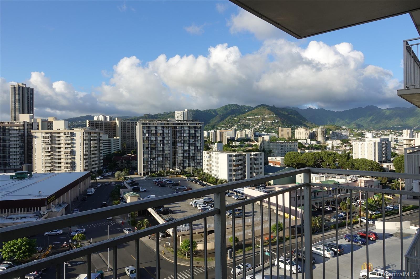 Kapiolani Manor condo # 1102, Honolulu, Hawaii - photo 22 of 24