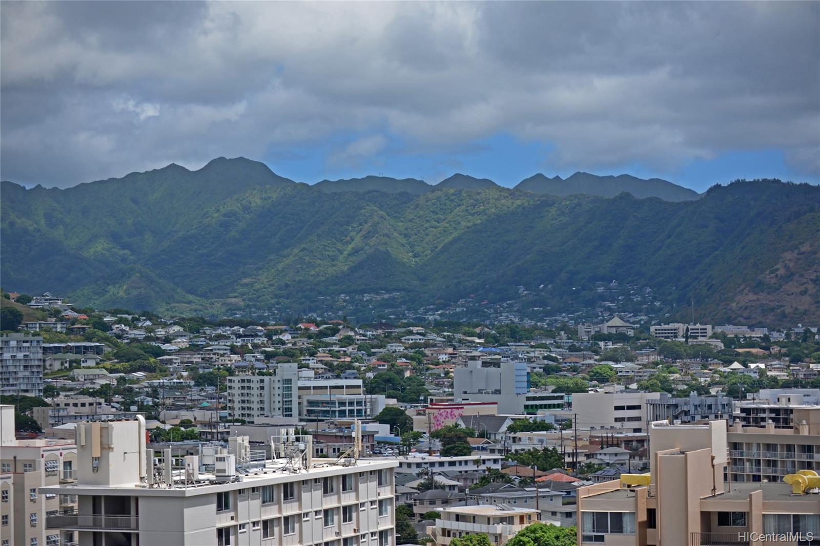 Kapiolani Manor condo # 1414, Honolulu, Hawaii - photo 17 of 25