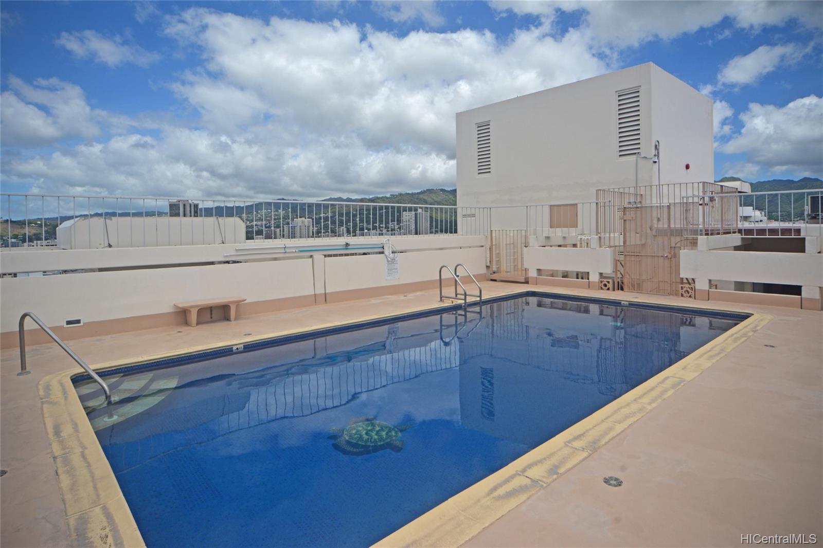 Kapiolani Manor condo # 1414, Honolulu, Hawaii - photo 22 of 25