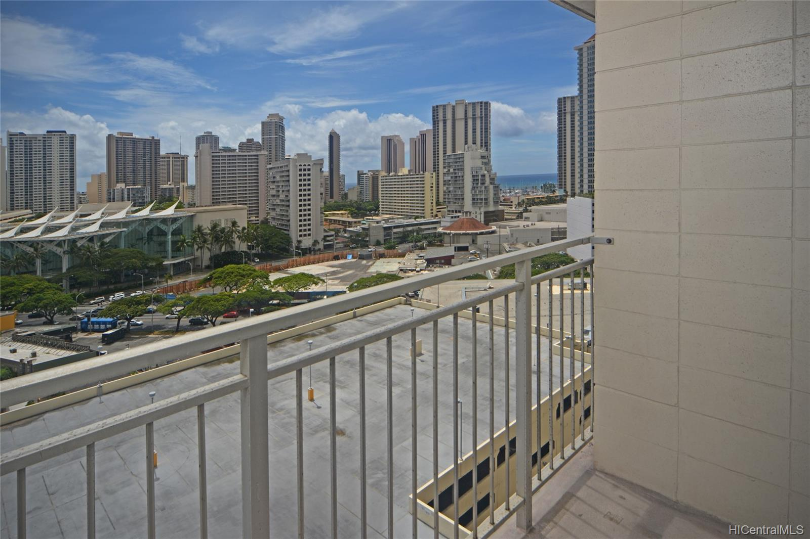 Kapiolani Manor condo # 1414, Honolulu, Hawaii - photo 8 of 25