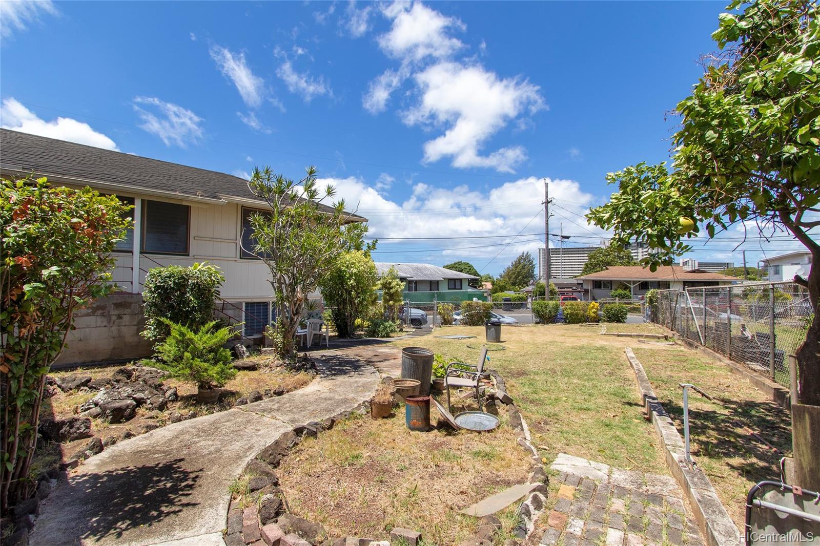 1658  Lima Street Kalihi-lower, Honolulu home - photo 18 of 25