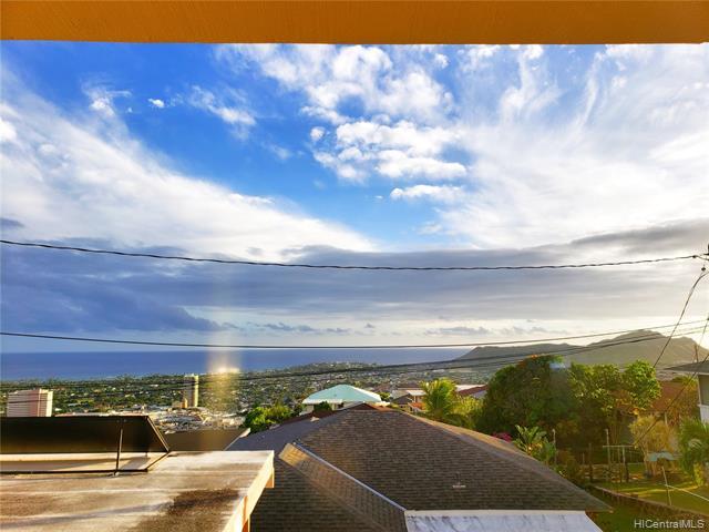 1673  Paula Drive Wilhelmina, Diamond Head home - photo 3 of 24