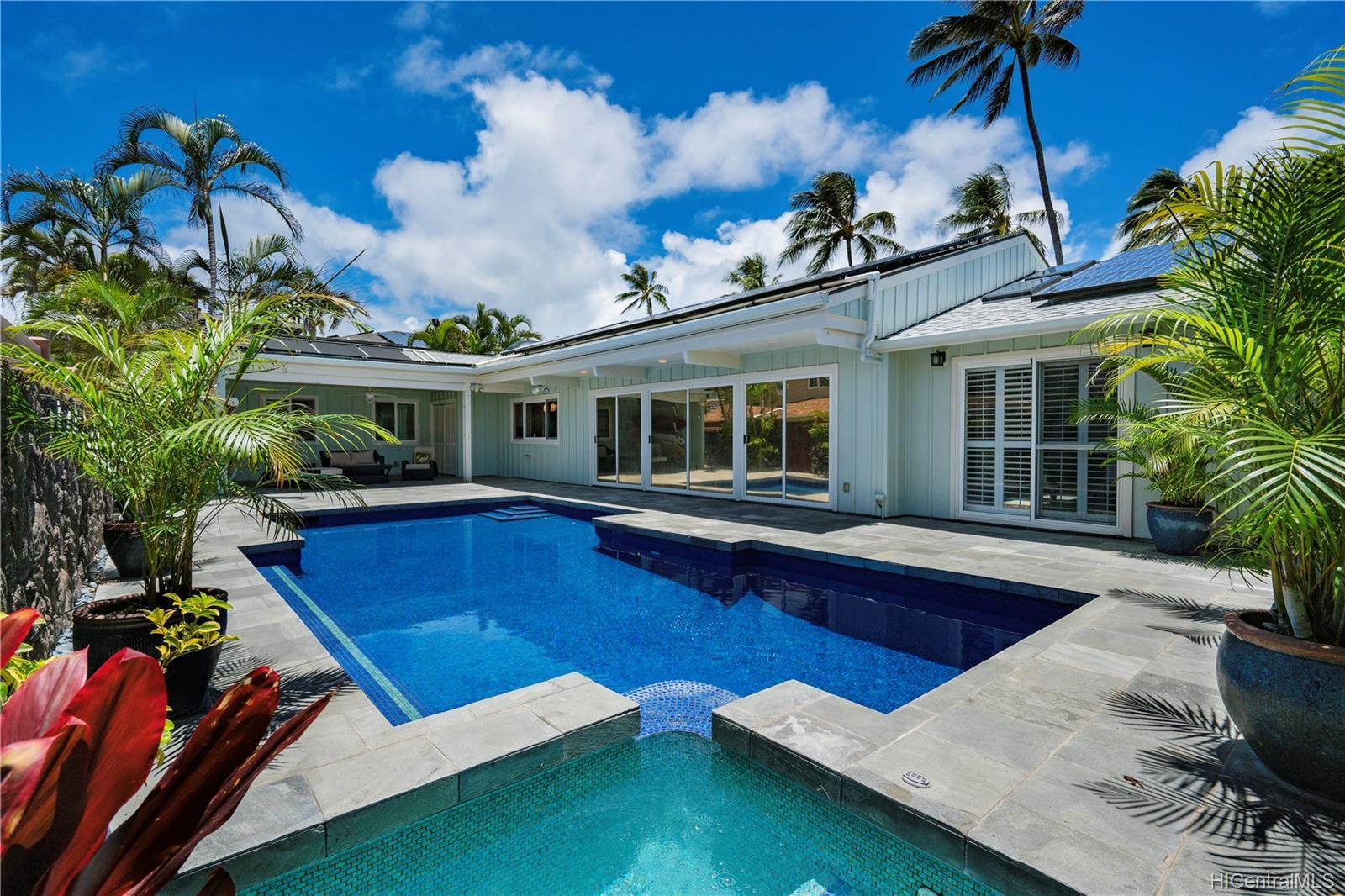 169  Kailuana Loop Beachside, Kailua home - photo 5 of 25
