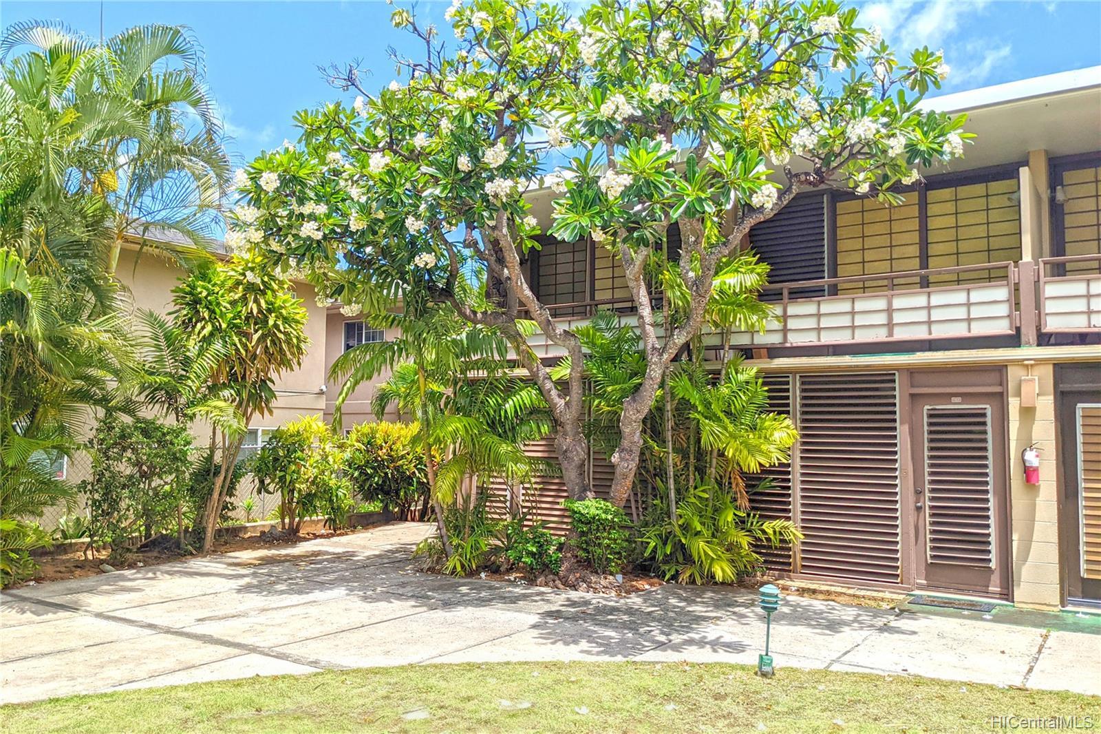 Oahuan Ltd condo # 223, Honolulu, Hawaii - photo 8 of 9