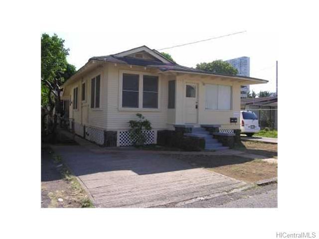 1711 Clark St Honolulu - Multi-family - photo 1 of 8