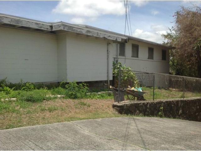 1716  Ala Amoamo St Moanalua Gardens, Honolulu home - photo 3 of 15
