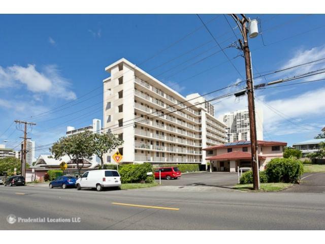Mokulani Apts condo #505, Honolulu, Hawaii - photo 1 of 10