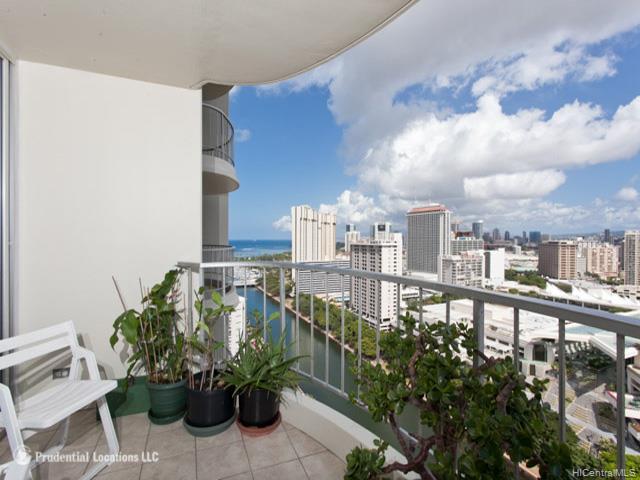 1717 Ala Wai condo # 2604, Honolulu, Hawaii - photo 10 of 15