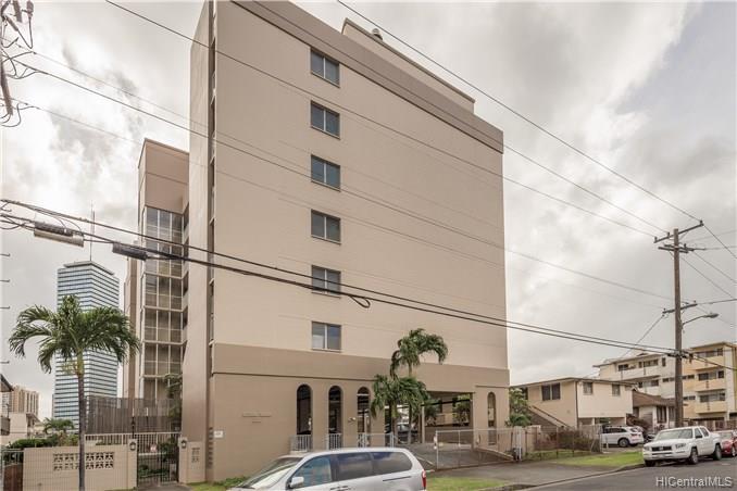 Citron Villa condo #409, Honolulu, Hawaii - photo 1 of 15