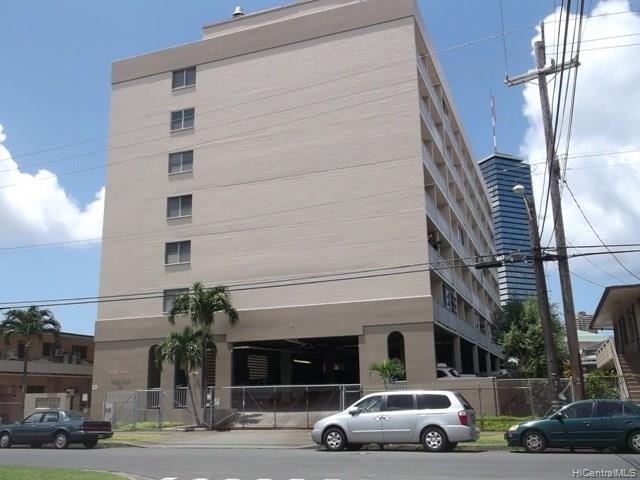 Citron Villa condo #507, Honolulu, Hawaii - photo 1 of 5