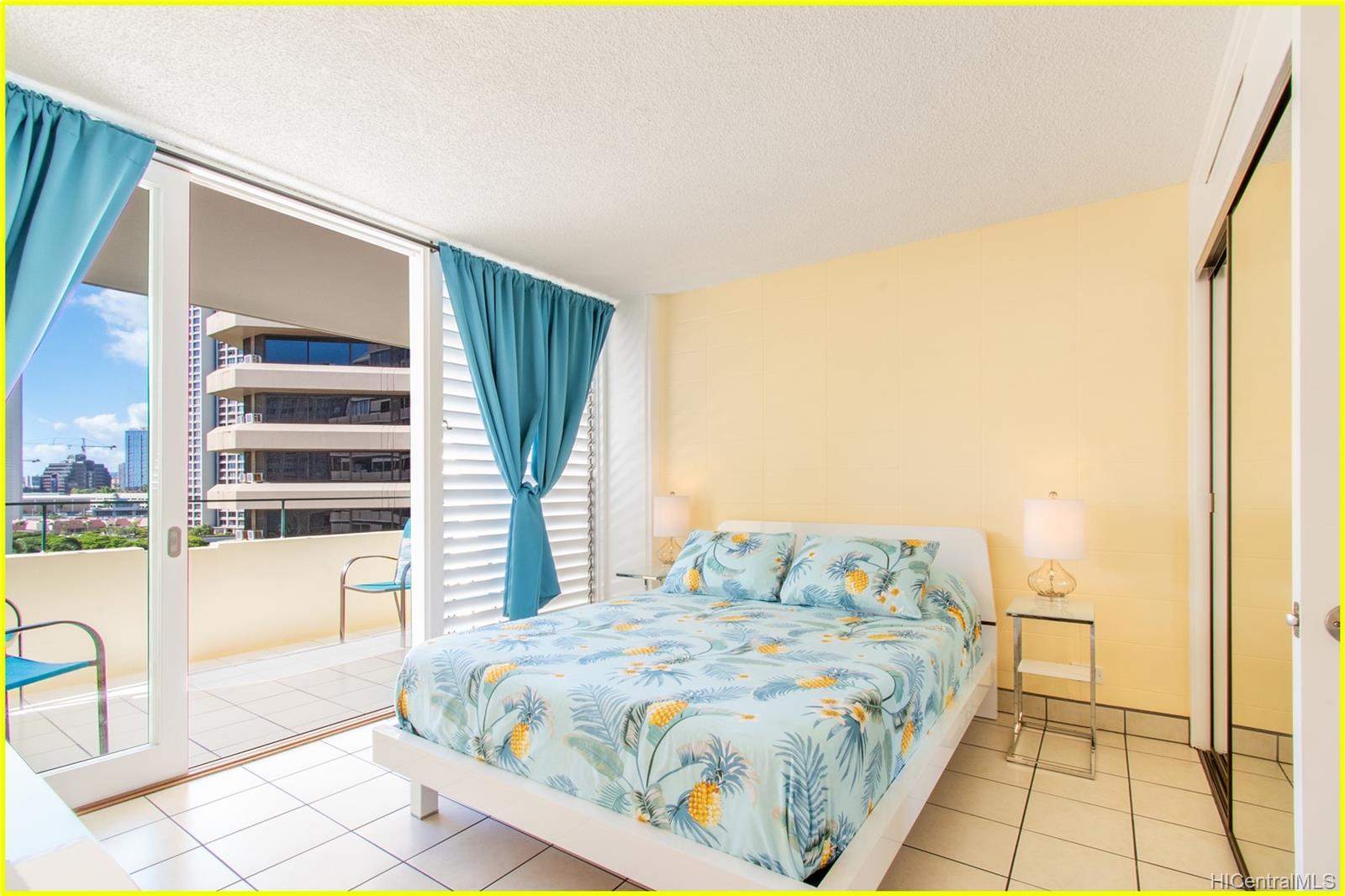 Tradewinds Hotel Inc condo # 902A, Honolulu, Hawaii - photo 11 of 25