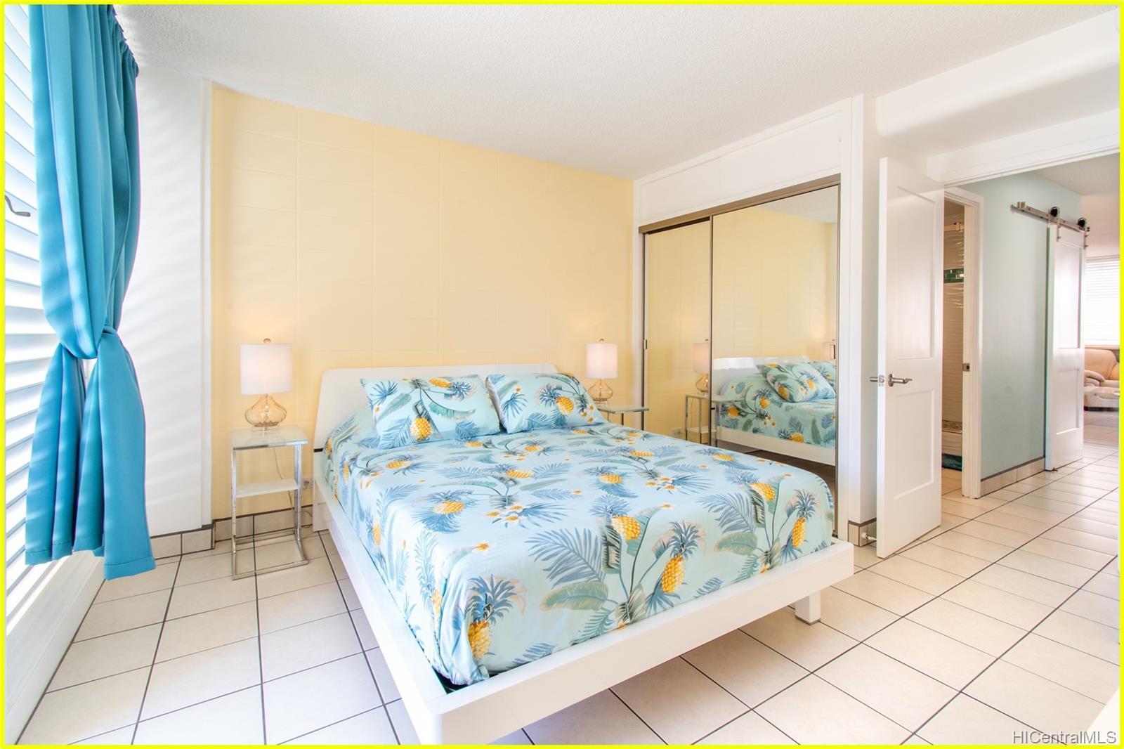 Tradewinds Hotel Inc condo # 902A, Honolulu, Hawaii - photo 12 of 25