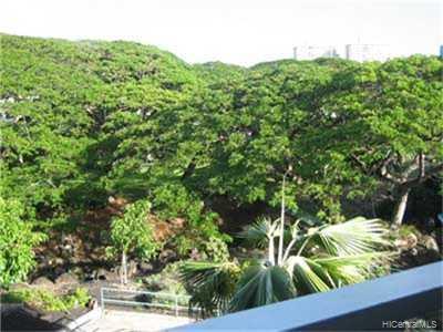 Nuuanu Park Place condo # B/301, Honolulu, Hawaii - photo 4 of 4