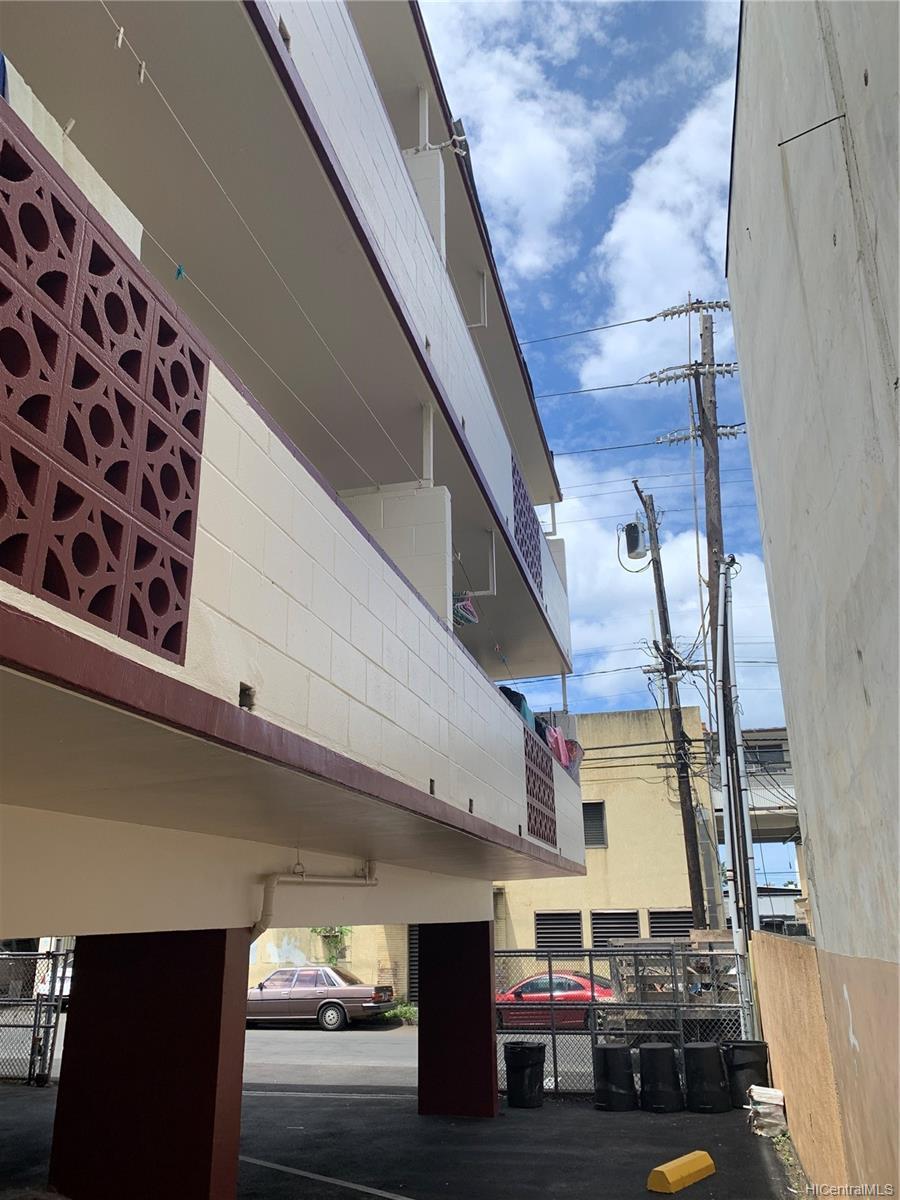 1720 Kalani Street Honolulu - Multi-family - photo 9 of 23