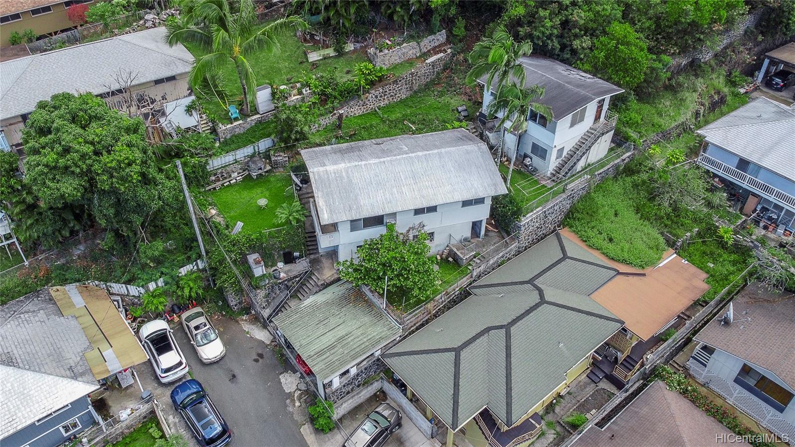 1726  Violet Street Kalihi Uka, Honolulu home - photo 5 of 6