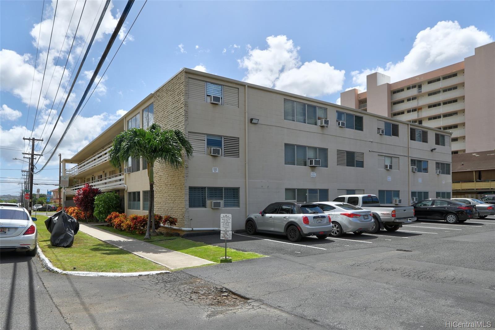 Tiare Apts condo # 206, Honolulu, Hawaii - photo 17 of 22